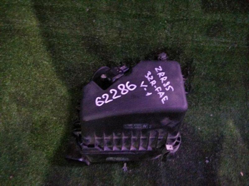 Корпус воздушного фильтра Toyota Voxy ZRR85 3ZR-FAE