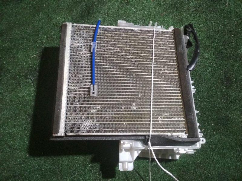Радиатор кондиционера Toyota Prius ZVW51