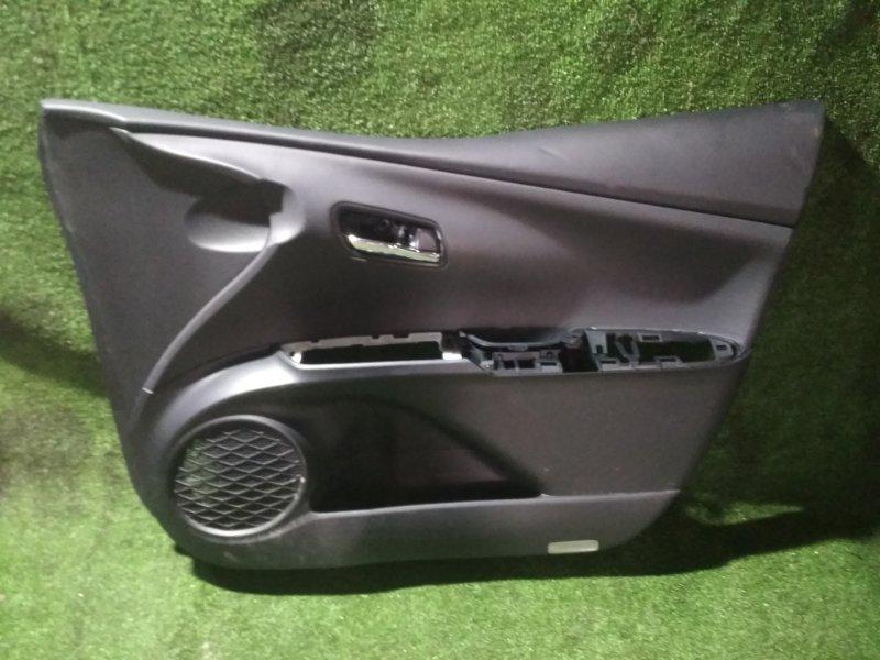 Обшивка дверей Toyota Prius ZVW51 передняя правая