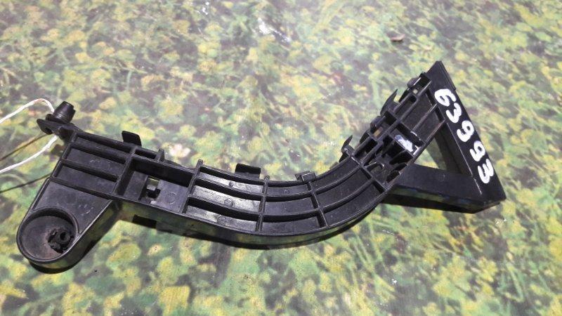 Крепление бампера Honda Life JC1 P07A переднее правое