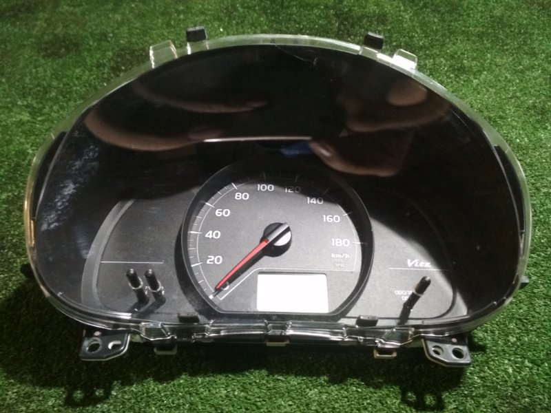Спидометр Toyota Vitz NSP130 1NR-FE