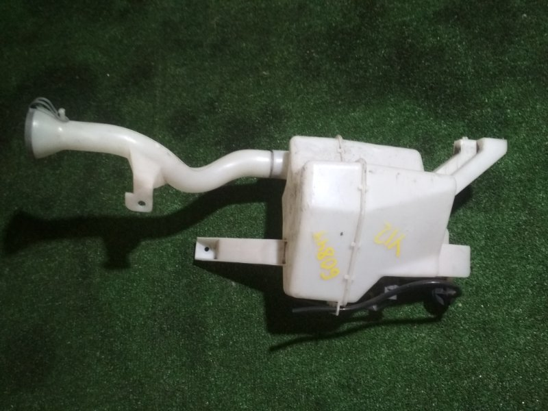 Бачок омывателя Nissan Wingroad Y12 HR15