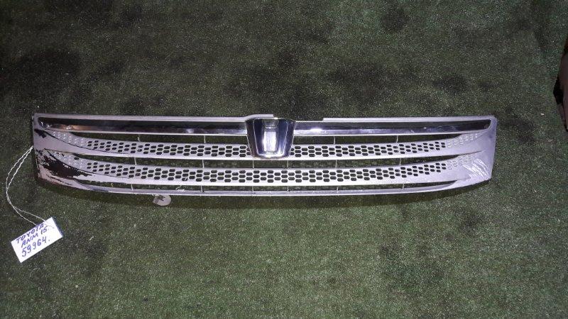Решетка радиатора Toyota Isis ANM15 1AZ-FSE