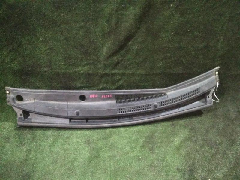Решетка под дворники Toyota Aqua NHP10 1NZ-FXE