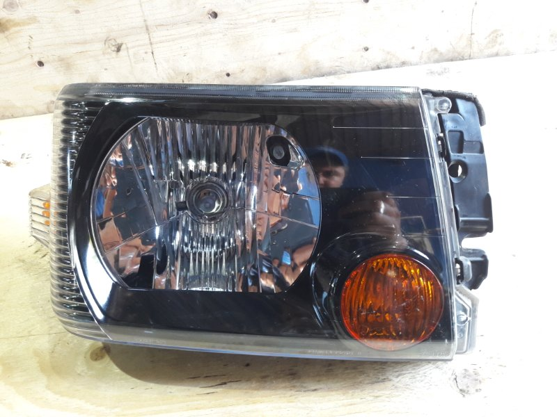 Фара Nissan Clipper U71V 3G83 передняя правая