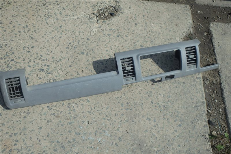 Консоль магнитофона Toyota Hiace KDH205V 2KD-FTV 2006