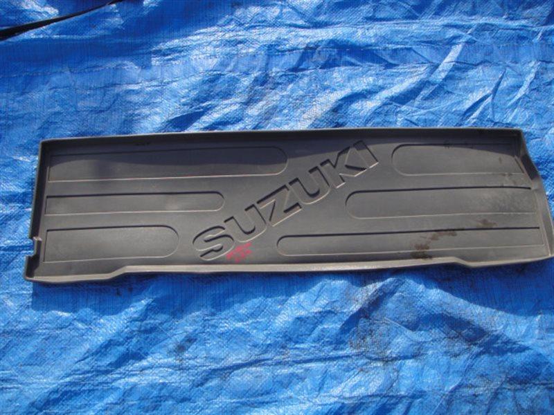 Пол багажника Suzuki Grand Escudo TX92W H27A 2004 задний