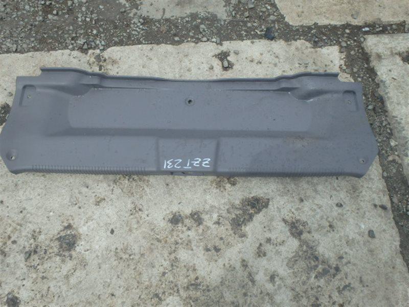 Накладка замка багажника Toyota Celica ZZT231 2ZZ-GE 2000