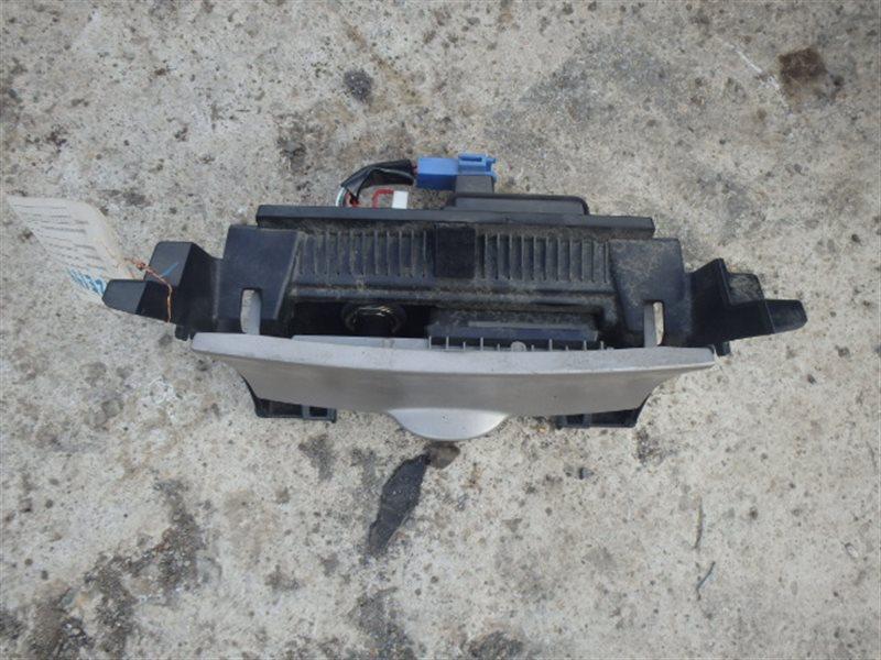 Пепельница Toyota Corolla Axio NZE144 1NZ-FE 2007