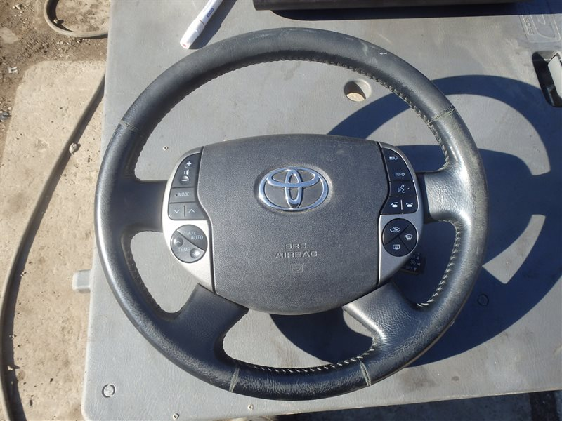 Airbag на руль Toyota Prius NHW20 1NZ-FXE 2004 передний правый