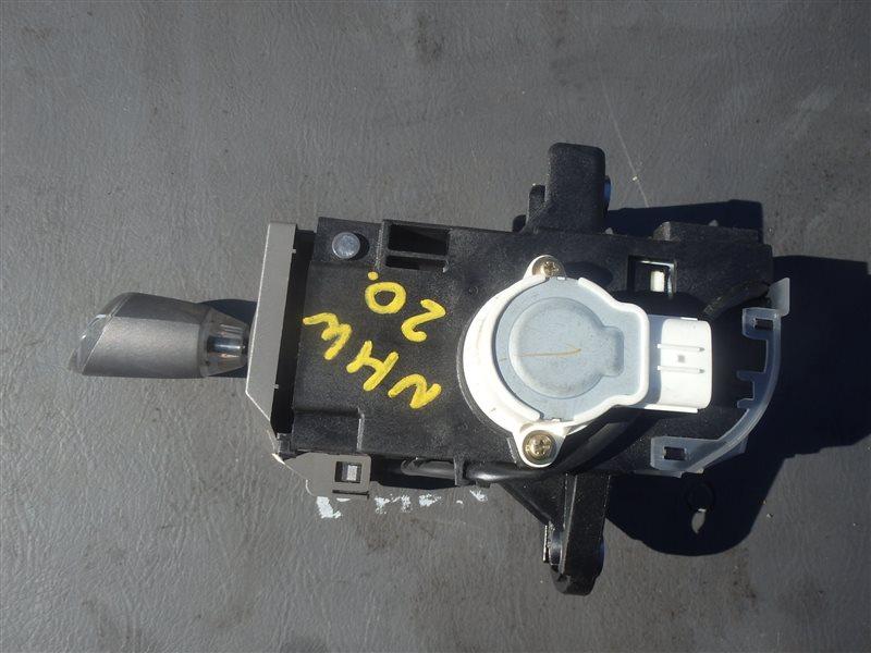 Рычаг переключения кпп Toyota Prius NHW20 1NZ-FXE 2004