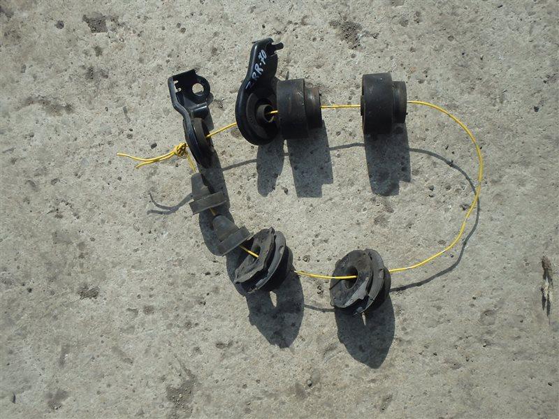 Крепление радиатора Toyota Voxy ZRR70 3ZR-FE 2007