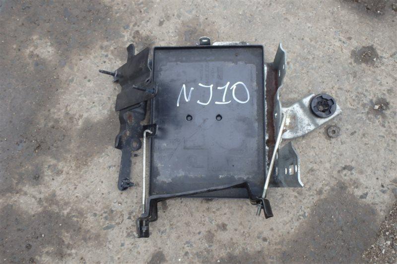 Крепление аккумулятора Nissan Dualis J10 MR20DE 2007