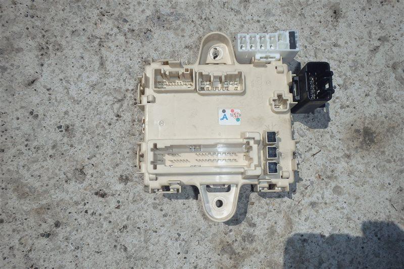 Блок предохранителей Toyota Harrier ACU35 2AZ-FE 2003 задний