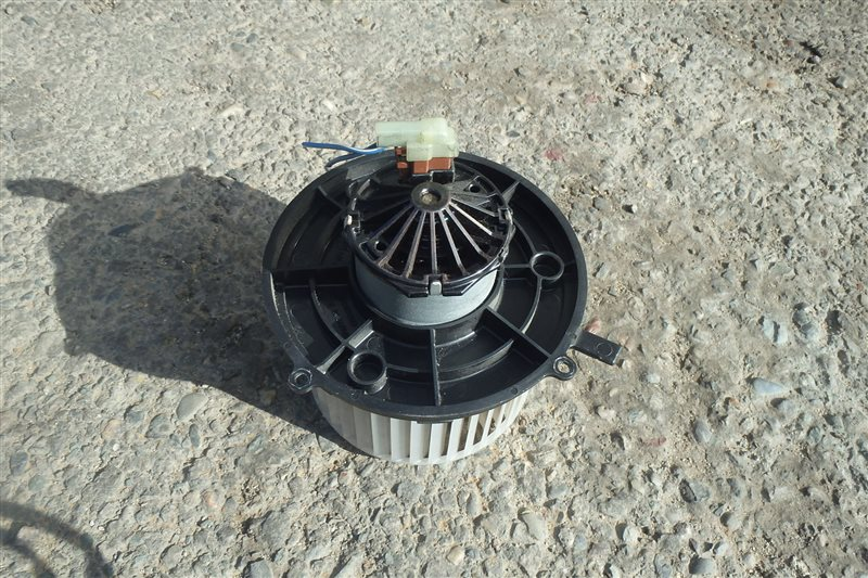 Мотор печки Mitsubishi Minica H37V