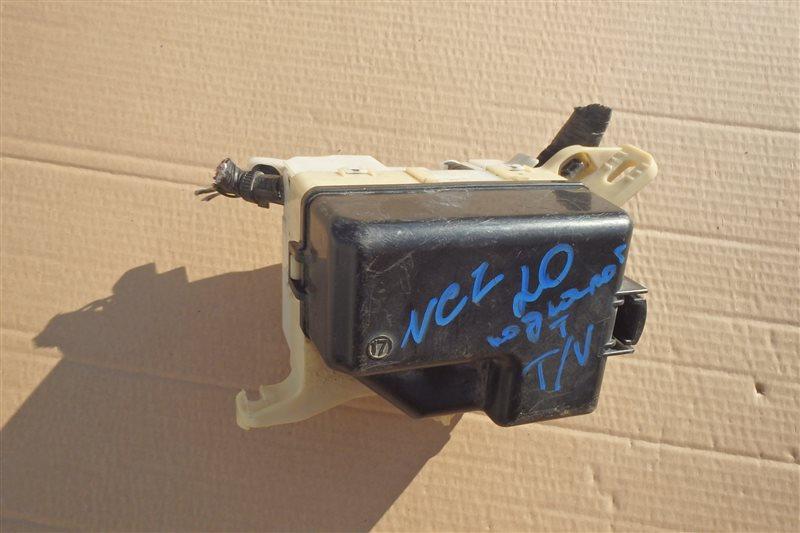 Блок предохранителей Toyota Raum NCZ20 1NZ-FE 2004