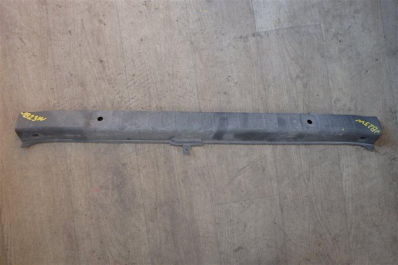 Накладка замка багажника Suzuki Jimny JB23W K6A-T