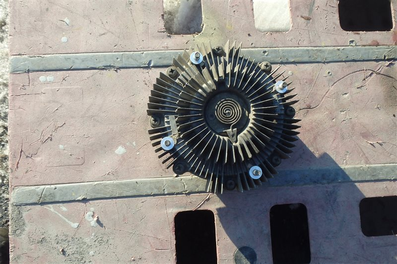 Вязкомуфта Isuzu Bighorn UBS73GW 4JX1 1999