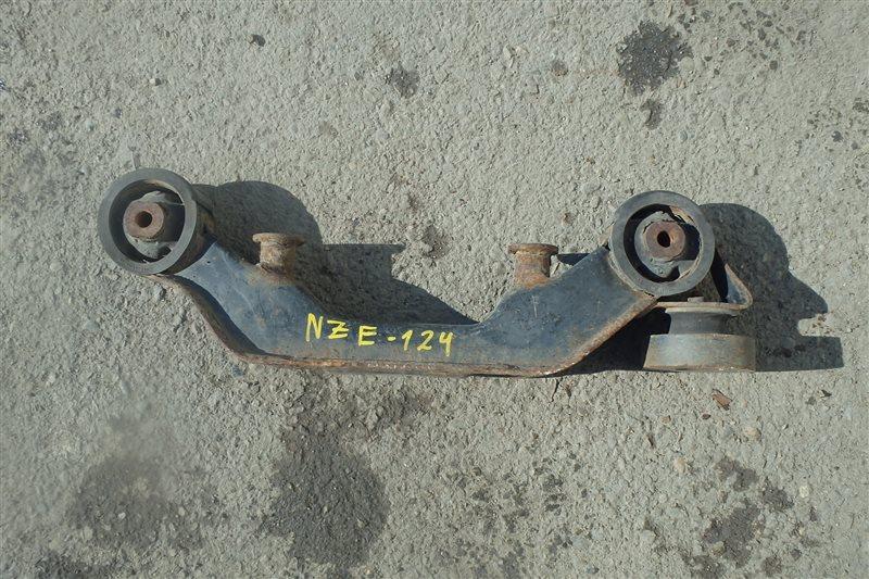 Крепление редуктора Toyota Corolla NZE124 1NZ-FE