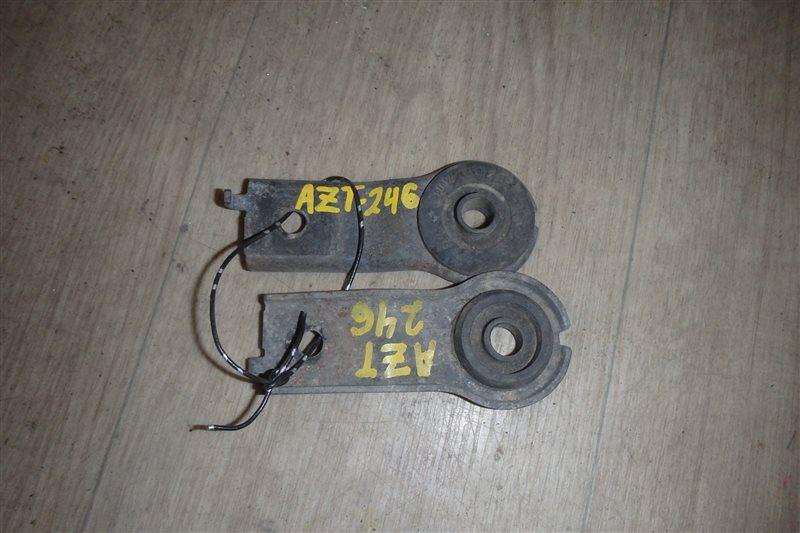 Крепление радиатора Toyota Caldina AZT246 1AZ-FSE