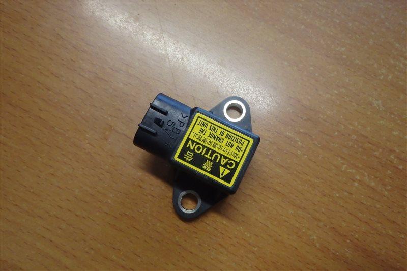 Датчик замедления Toyota Ist NCP110 1NZ-FE 2007