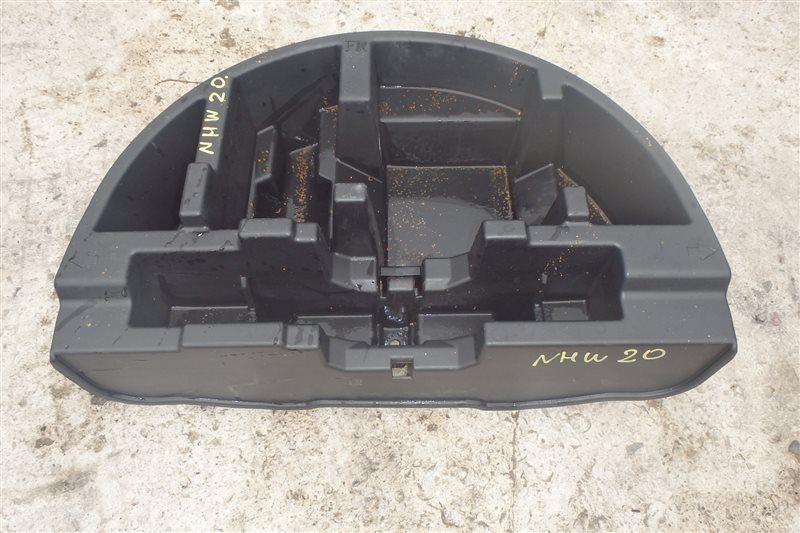 Ящик в багажник Toyota Prius NHW20 1NZ-FXE 2007
