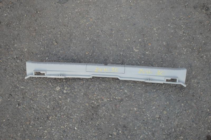 Накладка замка багажника Toyota Prius ZVW30 2ZR-FXE 2009