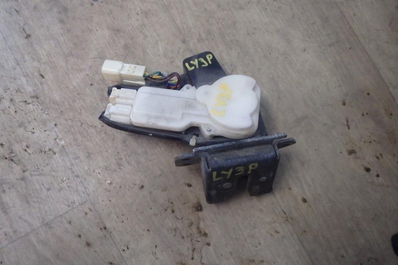 Замок багажника Mazda Mpv LY3P L3-VDT 2007 задний