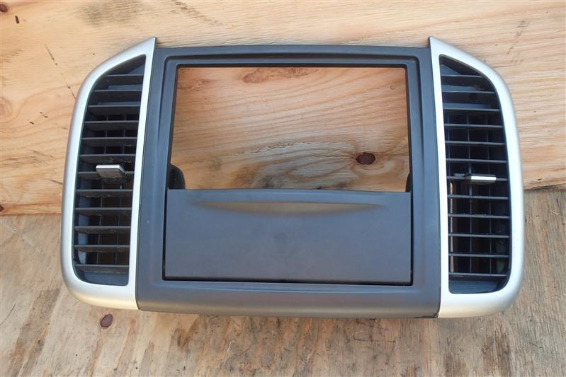 Консоль магнитофона Nissan Wingroad Y12 HR15DE
