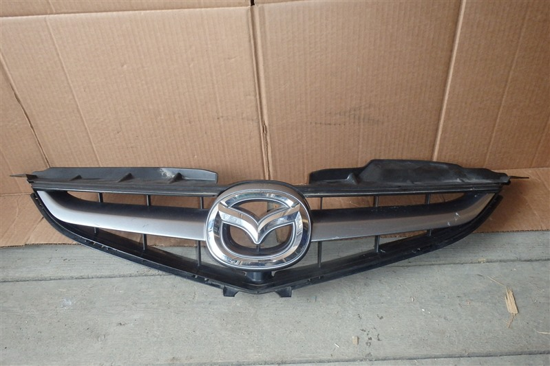 Решетка радиатора Mazda Premacy CREW LF 2009