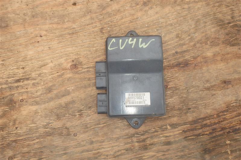 Блок управления форсунками Mitsubishi Airtrek CU4W 4G64 2002