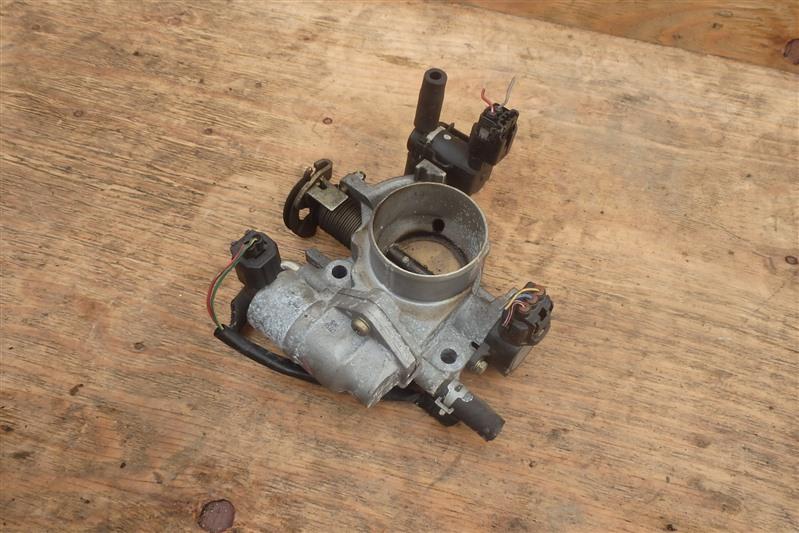 Заслонка дроссельная Mazda Verisa DC5W ZY-VE