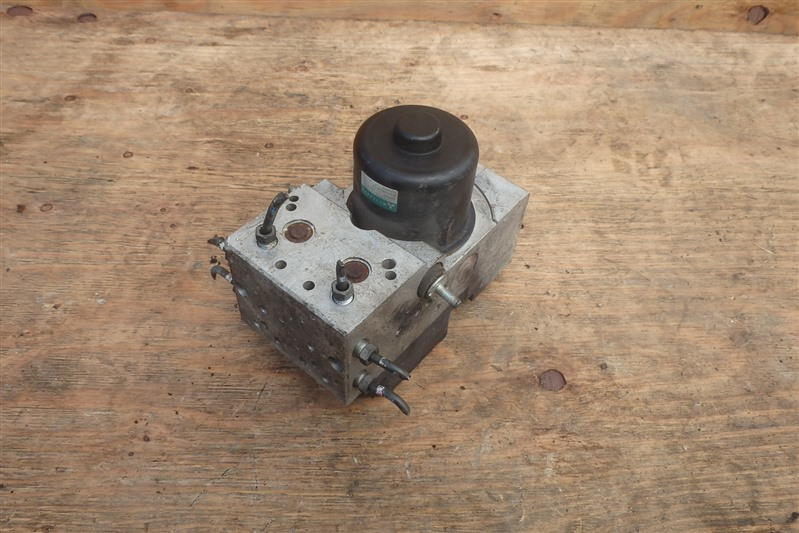 Блок abs Mitsubishi Canter FE70D 4M50T
