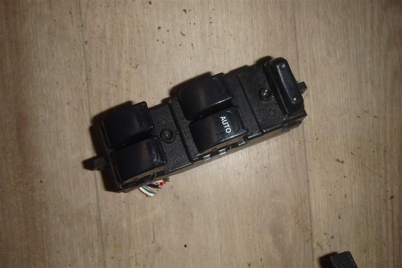 Блок управления стеклоподъемниками Suzuki Alto Lapin HE21S K6A передний правый