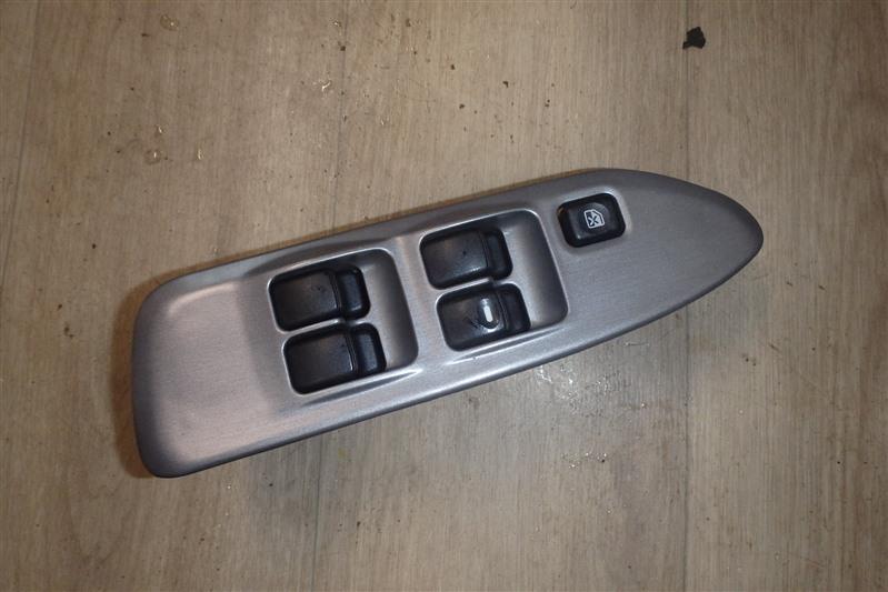 Блок управления стеклоподъемниками Mitsubishi Lancer Cedia CS5W 4G93 передний правый