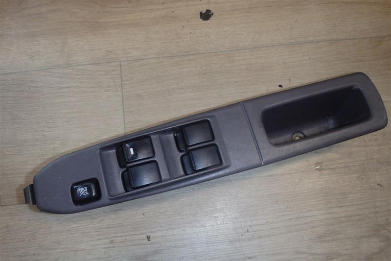 Блок управления стеклоподъемниками Mitsubishi Ek Wagon H81W 3G83 передний правый