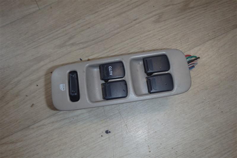 Блок управления стеклоподъемниками Nissan Moco MG21S K6A передний правый