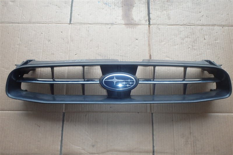 Решетка радиатора Subaru Impreza GD2 EJ15