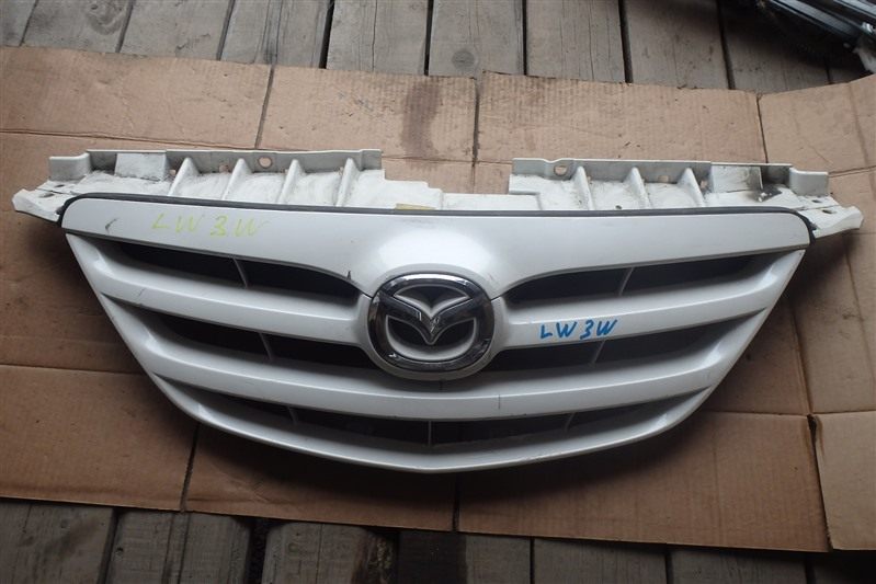 Решетка радиатора Mazda Mpv LW3W L3 2005