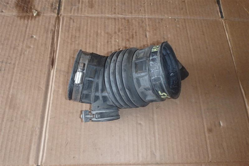 Патрубок воздушн.фильтра Nissan Laurel HC35 RB20DE