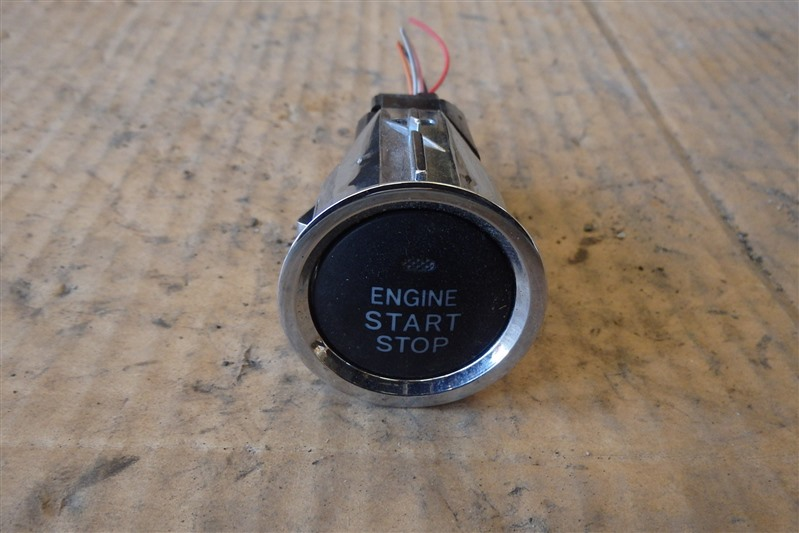 Кнопка старта Toyota Crown Majesta UZS186 3UZ-FE