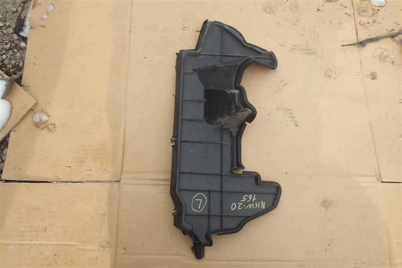 Дефлектор радиатора Toyota Prius NHW20 1NZ-FXE 2006 левый