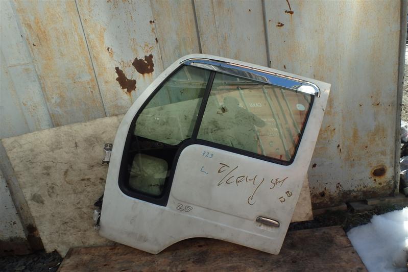 Дверь Nissan Atlas K4F23 NA20 передняя левая