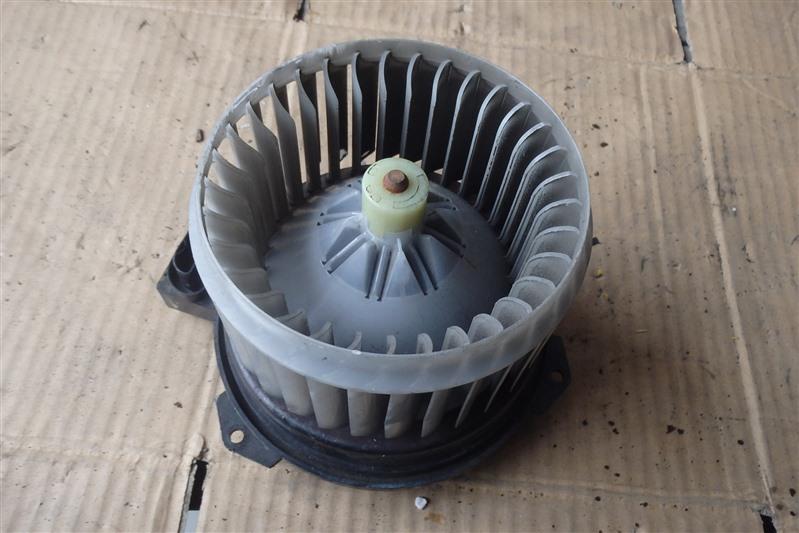 Мотор печки Suzuki Mr Wagon MF22S K6A