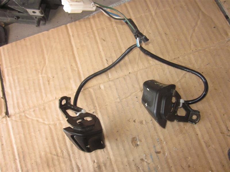 Кнопки на руль Subaru Legacy BE5 EJ20