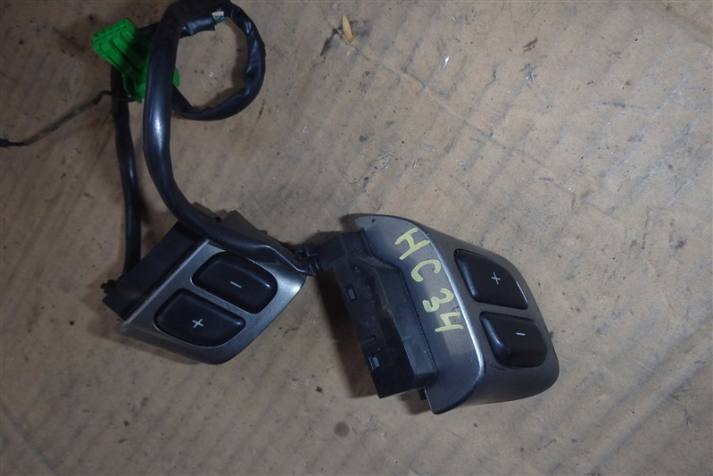 Кнопки на руль Nissan Laurel HC34 RB20DE