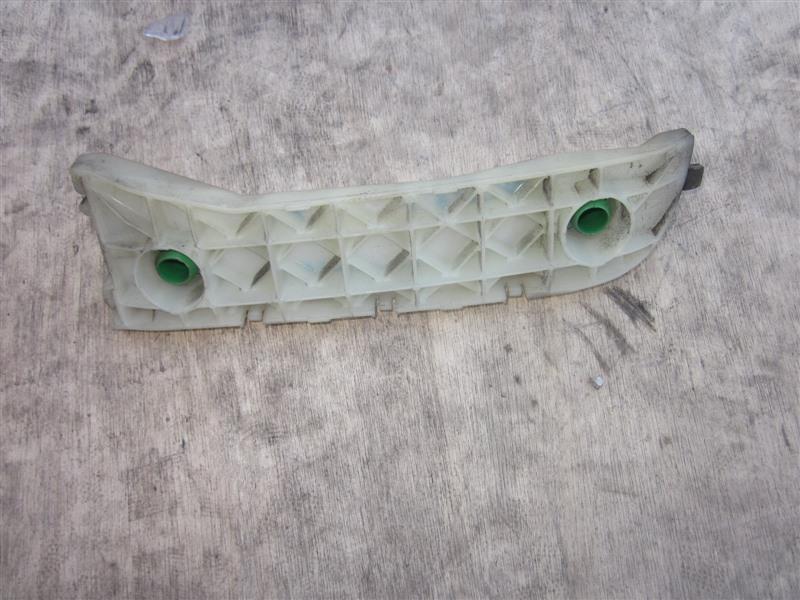 Крепление бампера с крыла Toyota Succeed NCP51 1NZ-FE заднее левое