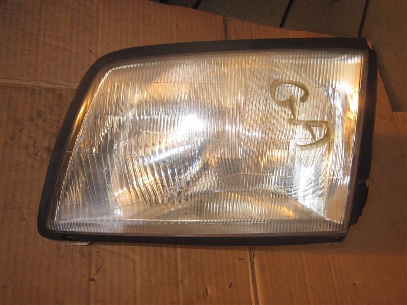 Фара Mazda Bongo SK82V F8 2008 передняя левая