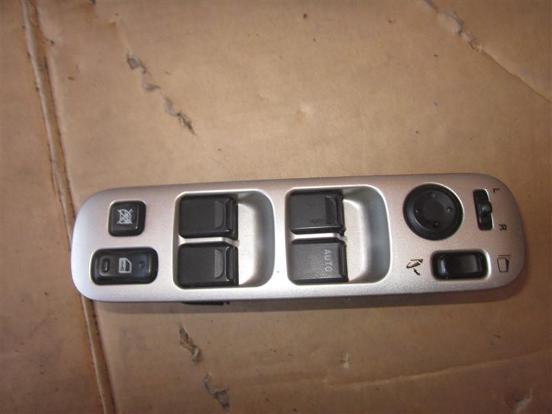 Блок управления стеклоподъемниками Suzuki Aerio RA21S M15A передний правый