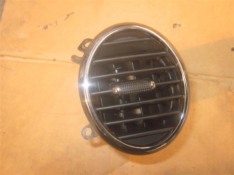 Дефлектор воздуховода Toyota Verossa GX110 1G-FE передний левый